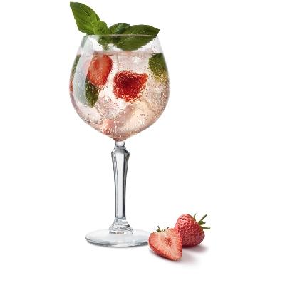 gin tonic strawberry